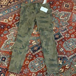 Brand New Zara Basics skinny Camo pants size 10